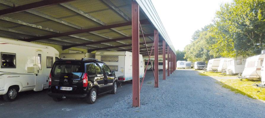 Gardiennage de caravanes vehicules matériel