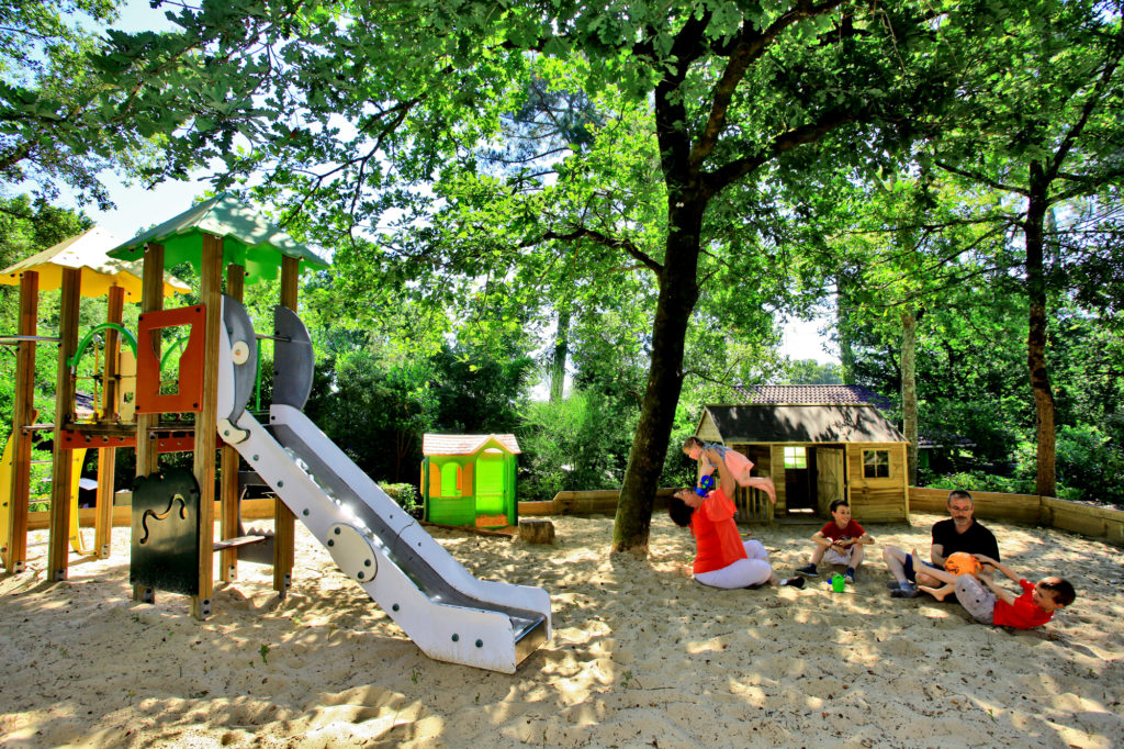 Village-vacances-Messanges-Aire-jeux